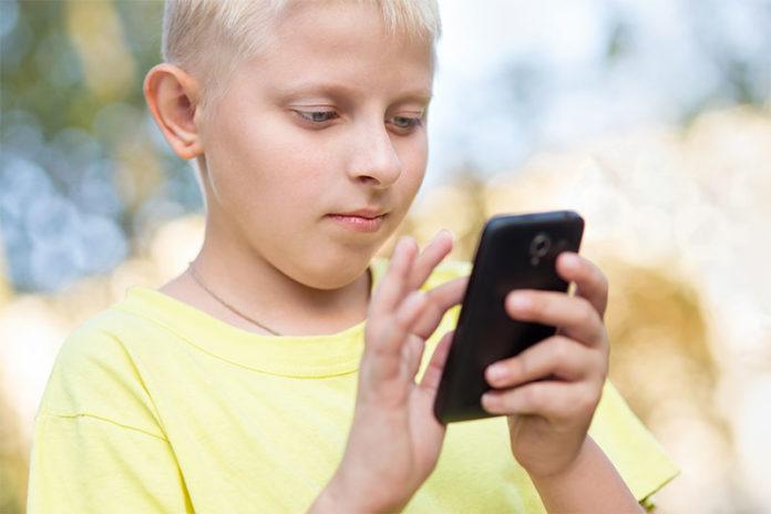 dzieci-smatfony